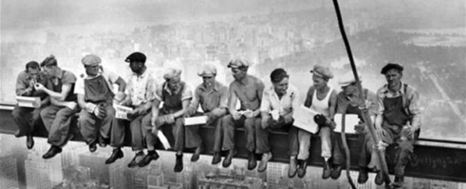 Obed na vrchole mrakodrapu