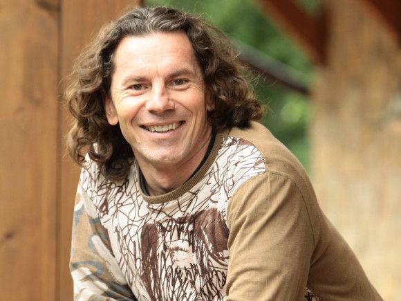 Slovák Peter Garčár postavil v Kostarike jedinečný dom na strome