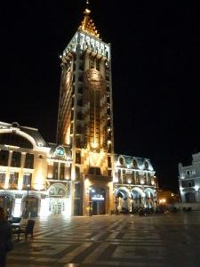 Batumi, Piazza v noci
