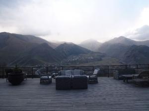 Kazbegi, výhľad z hotela Rooms