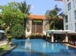 Hotelový bazén.
