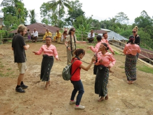 Tanec v dedine III