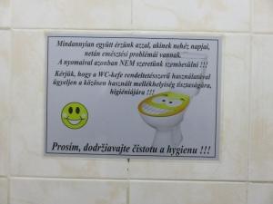 WC maďarsky