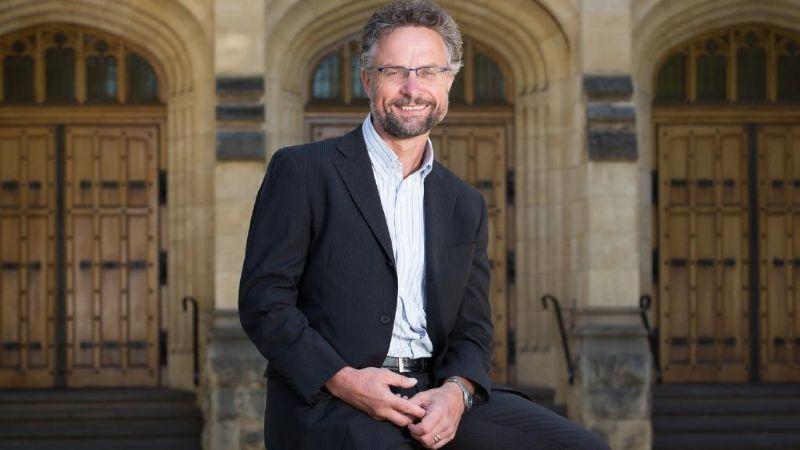 prof. Jozef Gécz