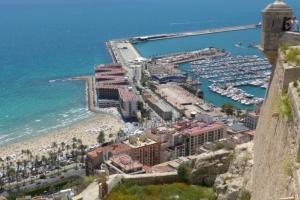 Alicante, pobrežie a prístav