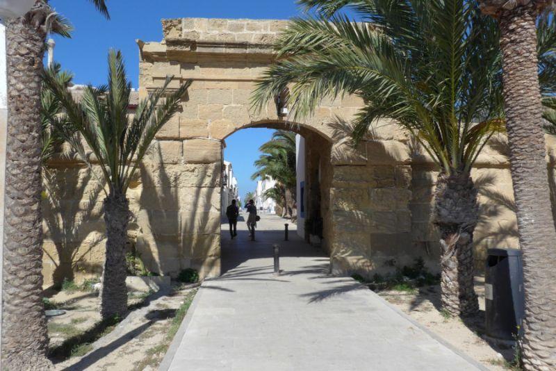 Ostrov Tabarka, vstup do pevnosti