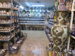 Fez, nadmiera ponuky keramiky