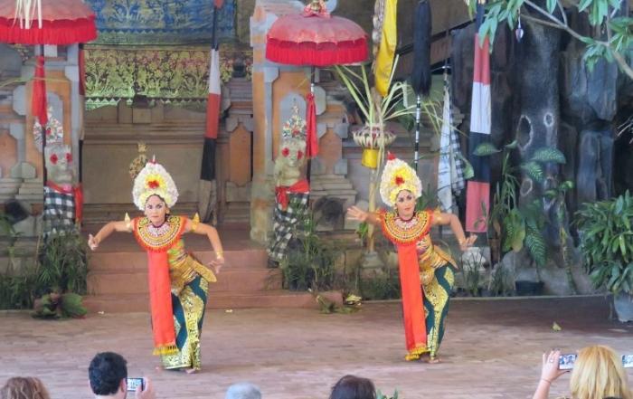 TRÁPENIA VEDÚCEHO ZÁJAZDU (Indonézsky príbeh)