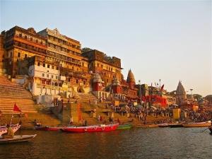 Váránasí, gháty na Gange